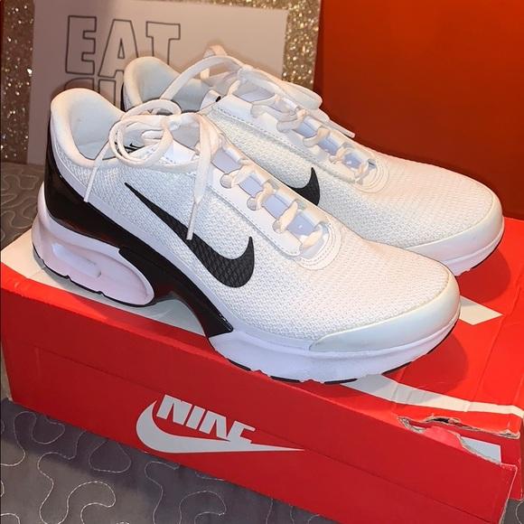 Women's Nike Air Max Jewell NWT